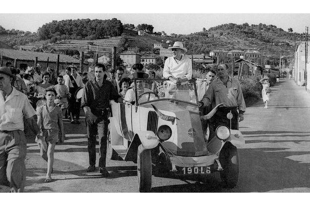 renault1925_valentin_picasso_vallauris_1950s.jpg