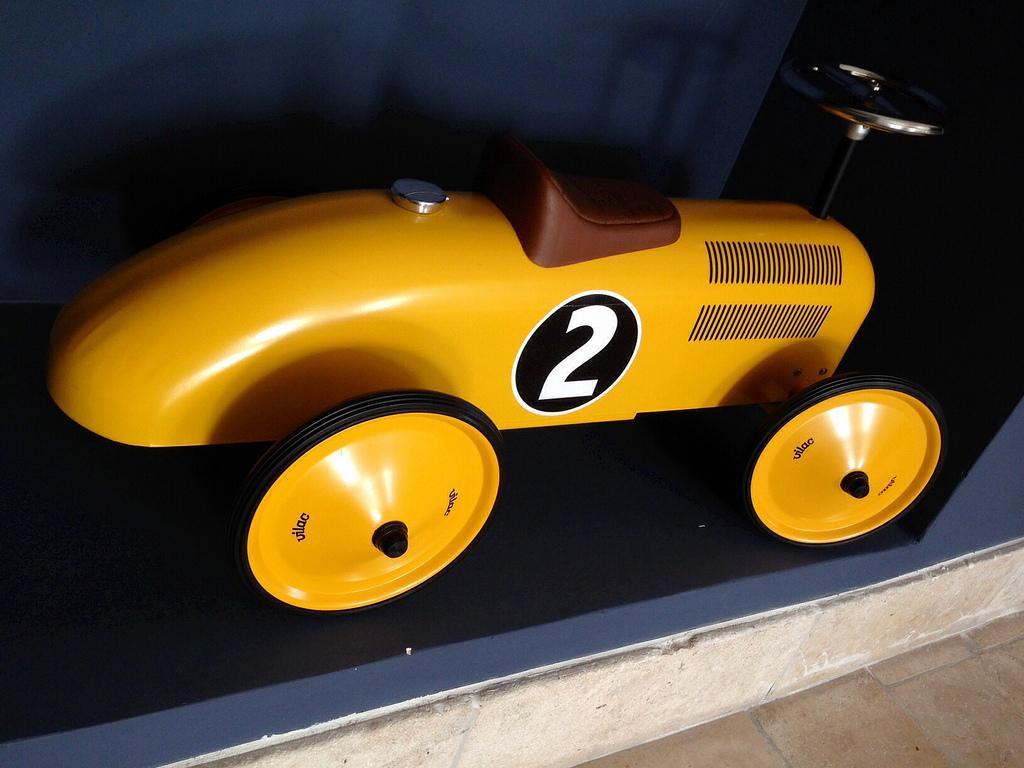 toycar_minimes_1.jpg