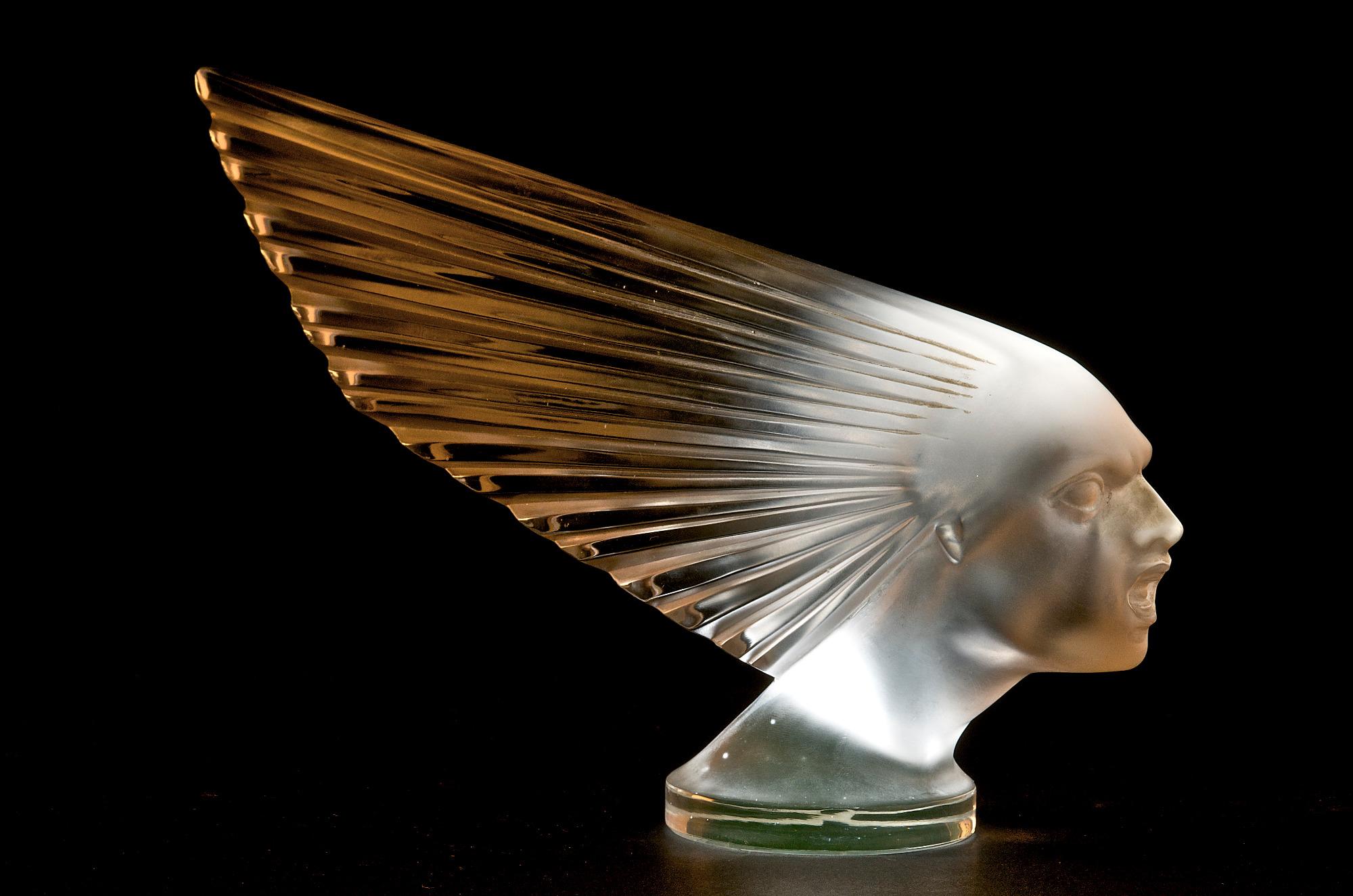 Bouchon-de-radiateur-Victoire-1928--A.-Small-Collection-John-Nemeth-copie.jpg